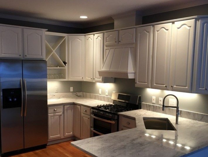 Kitchen cabinet painting contractor in Lake County, Illinois